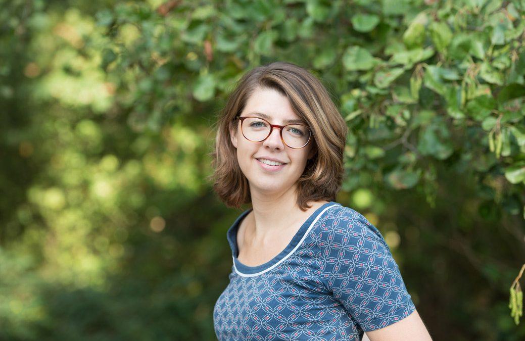 #31 Ondernemen in de creatieve sector – Hoe je je geld verdient met het volgen van je passie (interview met Irene, door Monica Helbig)